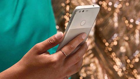 Pixel kończy swój aktualizacyjny żywot. Na tle iPhone'ów wstyd, ale jest lepiej niż obiecywał Google