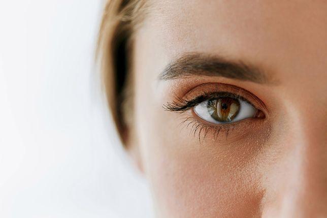 #Siłakobiecości. 7 sposobów na pielęgnację skóry wokół oczu