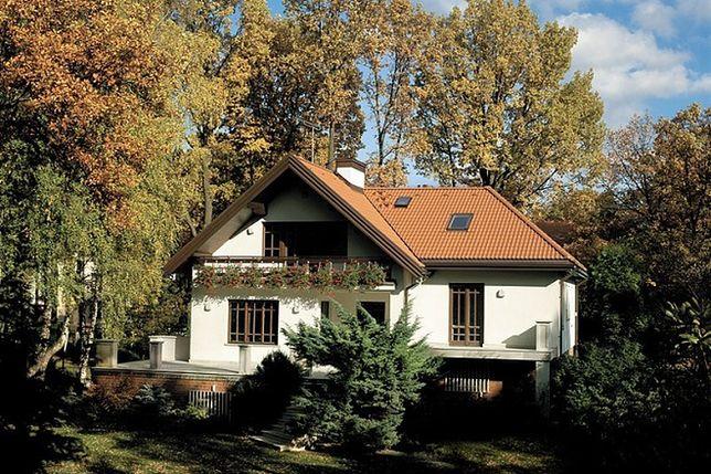 Budowa dachu: dachówki ceramiczne kontra cementowe
