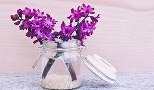 Wazon nawet bez kwiatów może upiększyć wnętrze