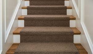 Wykładzina podłogowa na schodach