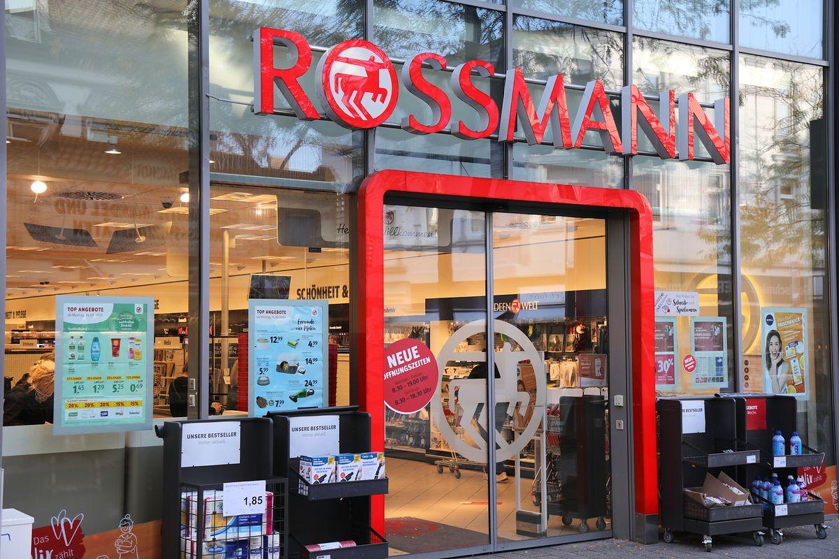 Gigantyczne promocje na kosmetyki w Rossmannie