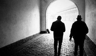 """""""Kłusownicy mieszkaniowi"""": najpierw pożyczyli pieniądze, potem zabrali mieszkanie. Tak działa mafia w Warszawie"""