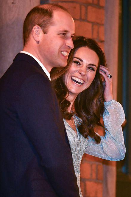 """Książę William i księżna Kate cieszą się z narodzin """"baby Sussex""""."""