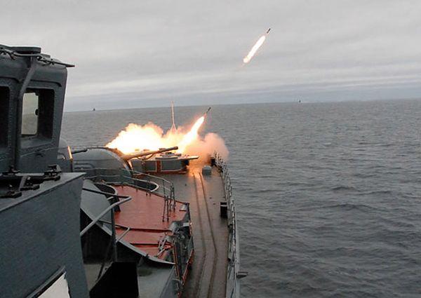 Rosyjskie manewry na Bałtyku. Okręty w grupach taktycznych