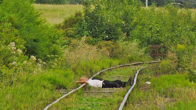 Zasnął na torach. Chwilę później jechał tamtędy pociąg