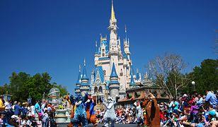 Odwiedziły Disney World. Obsługa kazała im się przebrać