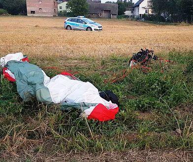 Skidziń. Policja wyjaśnia przyczyny wypadku motoparalotniarza