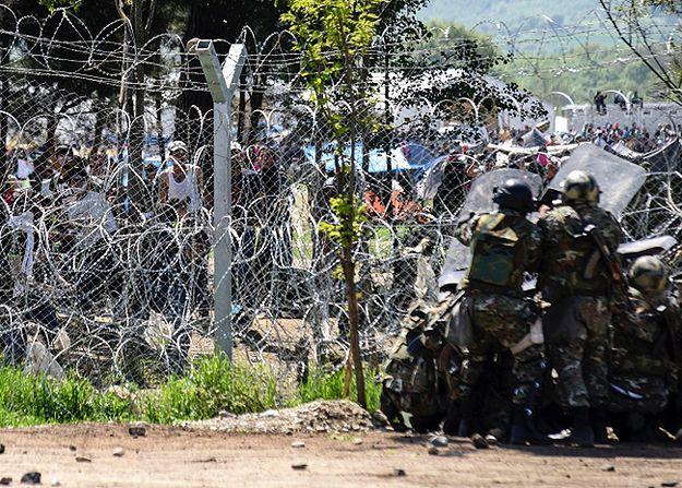 Starcia policji z imigrantami na granicy grecko-macedońskiej. 260 osób rannych