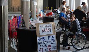 18. dzień protestu osób niepełnosprawnych i ich opiekunów.