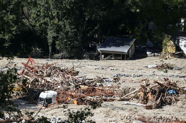 Francja. Agencja AFP informuje o ośmiu oficjalnie zaginionych osobach i trzech, z którymi nie ma kontaktu