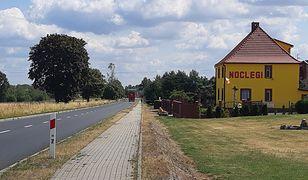 W maleńkich Wykrotach koło Bolesławca kolejne domy przeznaczane są na hotele dla Ukraińców.