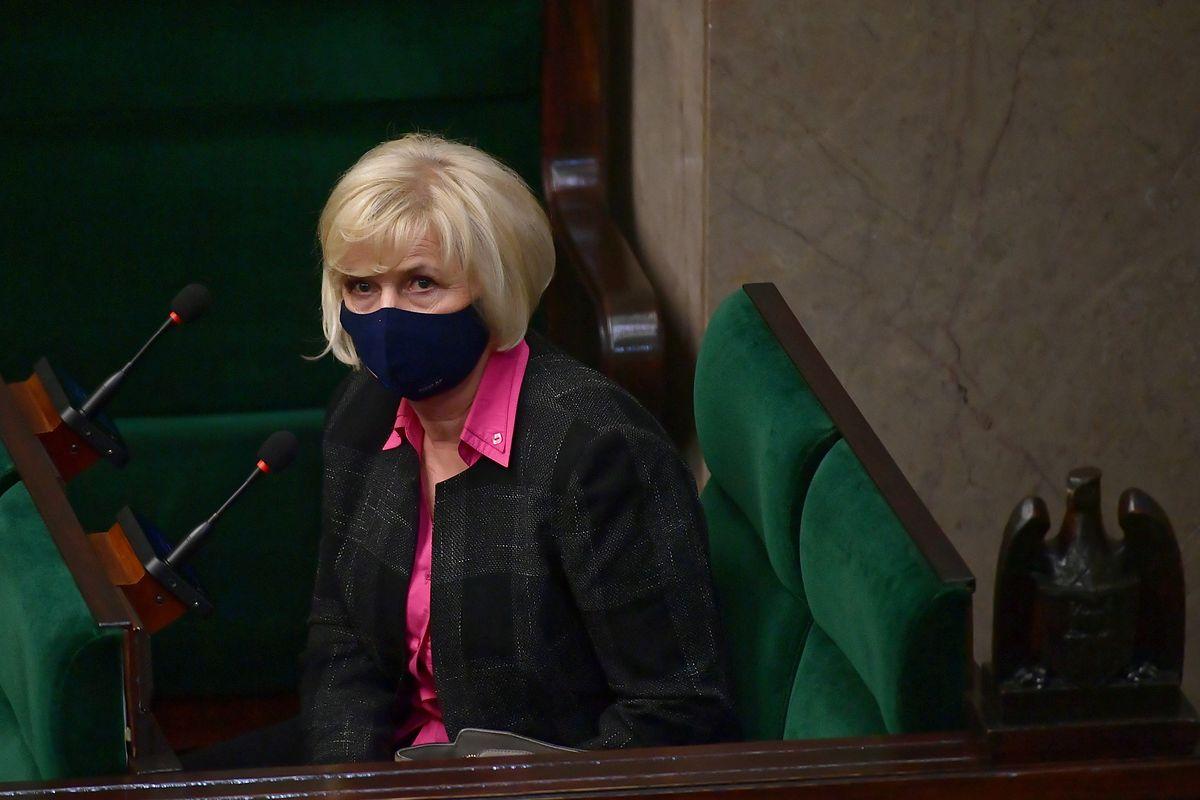 Kandydatka PiS na stanowisko RPO Lidia Staroń na sali obrad niższej izby parlamentu w Warszawie