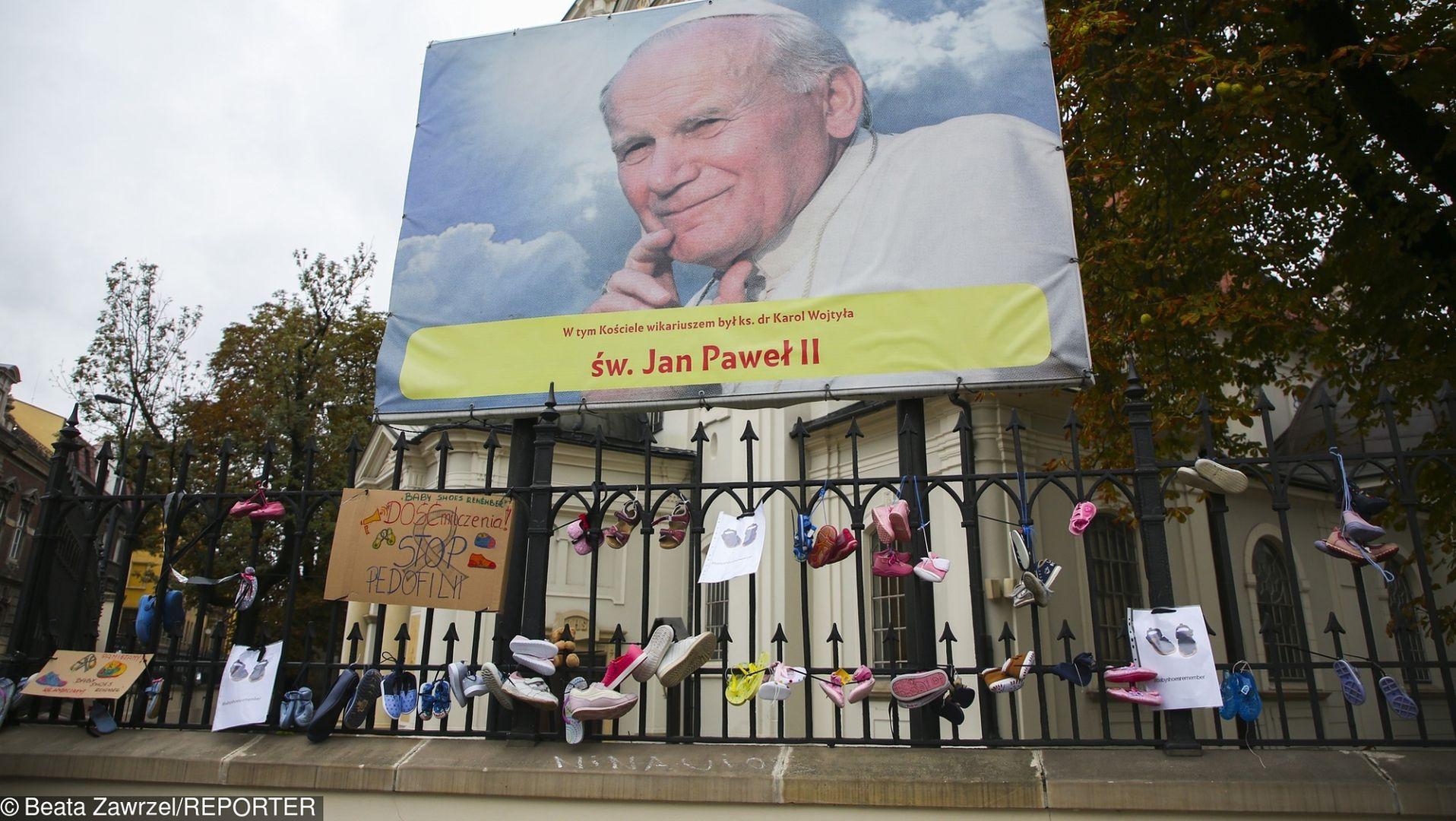 Jan Paweł II wiedział o pedofilii w Kościele. Mógł ukręcić łeb tej hydrze. Dlaczego tego nie zrobił?