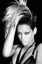 Rihanna jako Whitney Houston