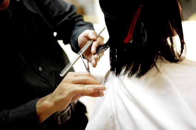 Odmrażanie zakładów fryzjerskich. Na kilka minut padła strona do rezerwacji wizyt