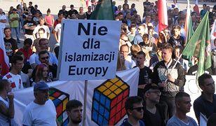 Jedna z manifestacji przeciwko imigrantom z Bliskiego Wschodu w Poznaniu.