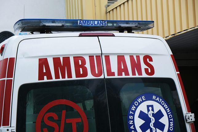 Szczerców. Grozili śmiercią ratownikom medycznym