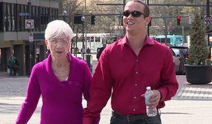 Młody mężczyzna woli starsze kobiety. Takie w wieku swojej babci