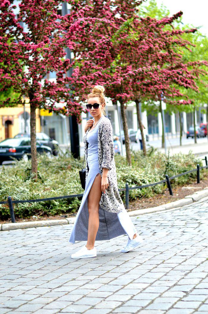 Maxi i długi, wełniany sweter