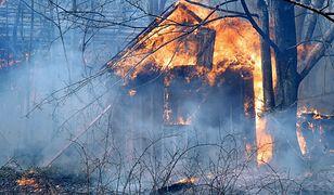 Biskupice. W pożarze niezamieszkałego domu zginęła jedna osoba (zdjęcie ilustracyjne)