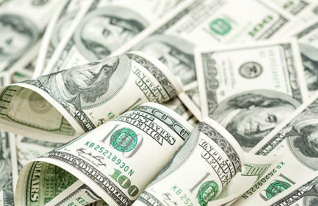 Deszcz pieniędzy spadł na autostradzie w USA