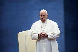 """Papież zwrócił się do biskupów. """"Nie mogą puszyć się jak pawie"""""""
