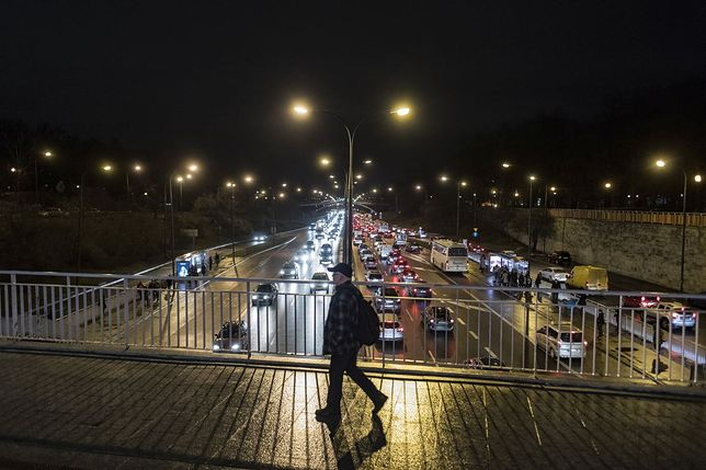 Rada Warszawy za zmianą ul. Lecha Kaczyńskiego na Trasę Łazienkowską