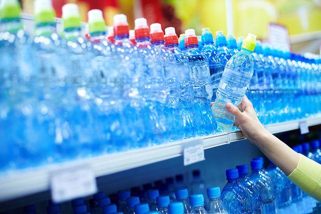 Nowa woda z Biedronki ma alkaliczność na poziomie pH 7,7-8,0.