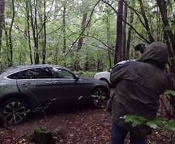 Nietypowe znalezisko w lesie. Policjanci mogą mówić o sukcesie