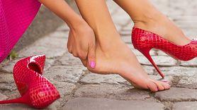Pęcherze na stopach. Sprawdź, jak leczyć (WIDEO)