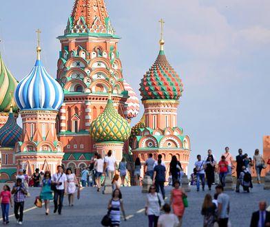 """Kabanosy, """"Kolorowe jarmarki"""" i święta komunia. Co Rosjanie kochają w polskości?"""