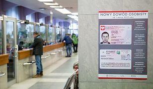 Ponad pół miliona Polaków rocznie zgłasza utratę dowodu. Teraz zrobią to nie wychodząc z domu
