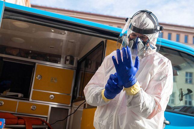 Koronawirus w Polsce. PiS chce zmobilizować lekarzy