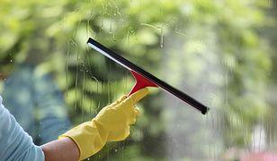 Jest wiele patentów, które pomogą umyć okna na błysk. Sprawę ułatwiają nowoczesne sprzęty.