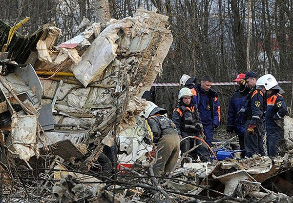 Rodziny ofiar katastrofy smoleńskiej dostają pisma ws. ekshumacji