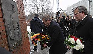 Prezydenci Polski i Niemiec pod pomnikiem Bohaterów Getta