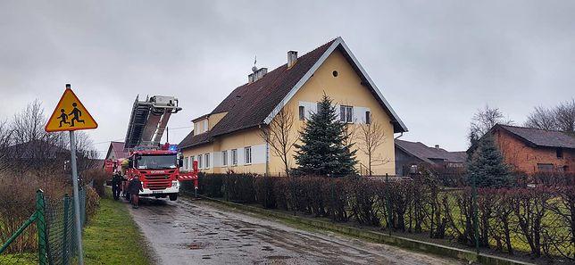 Pożar dachu szkoły w Barczewie pod Olsztynem. Konieczna była ewakuacja.