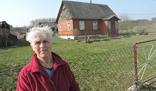 Alicja Zajkowska posiada 4 ha ziemi tuż przy przejeździe kolejowym