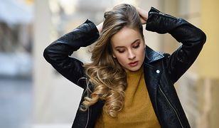 Regeneracja włosów to zadanie dla profesjonalnych kosmetyków z naturalnymi składnikami