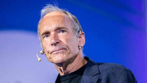 Tim Berners-Lee stworzył internet, jaki znamy. Teraz chce go odmienić