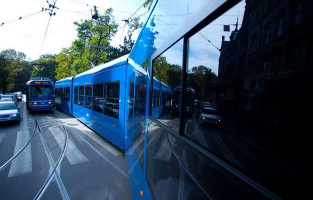 Bójka i rozpylony gaz w tramwaju w Krakowie. Jedna osoba poszkodowana