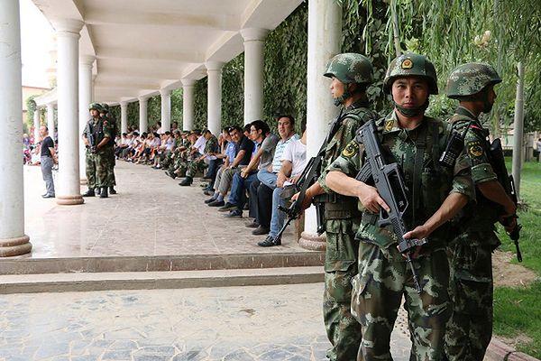 Chińskie władze prowadzą szeroko zakrojoną operację antyterrorystyczną