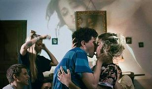 """""""Bang Gang"""": Jak pornografia wpływa na współczesne nastolatki? [WIDEO]"""