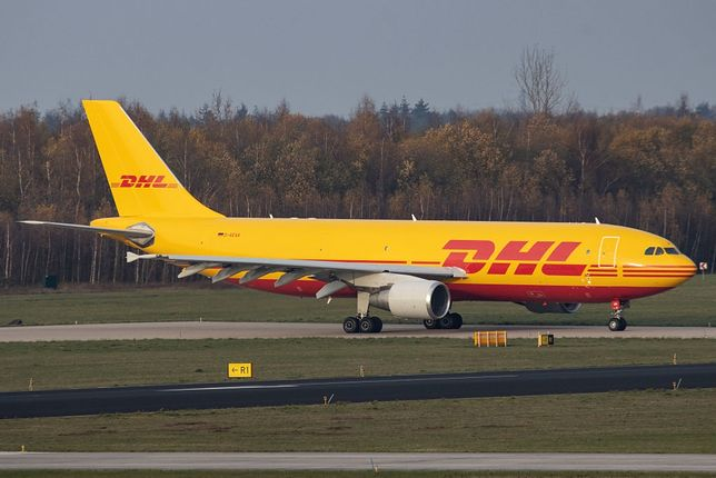 Samolot należący do firmy kurierskiej DHL