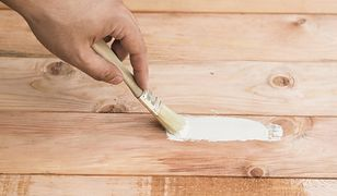 Rysy na parkiecie. Jak uratować podłogę domowymi sposobami?