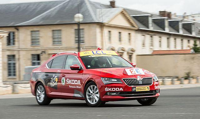 Nowa Skoda Superb poprowadzi tegoroczny Tour de France