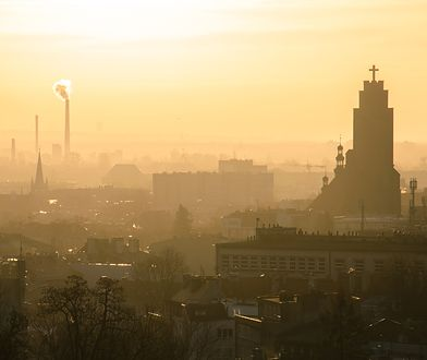 W poniedziałek 15 stycznia na Śląsku obowiązuje alarm smogowy