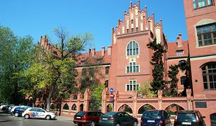 Gmach główny Uniwersytetu Mikołaja Kopernika w Toruniu