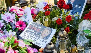 Krzysztof Krawczyk zmarł niespodziewanie na początku kwietnia. Jego grób codziennie odwiedzia wielu fanów